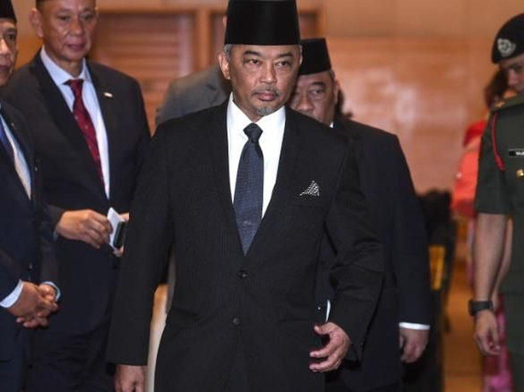 Manuver Sang Raja Usai Pengunduran Diri PM Malaysia