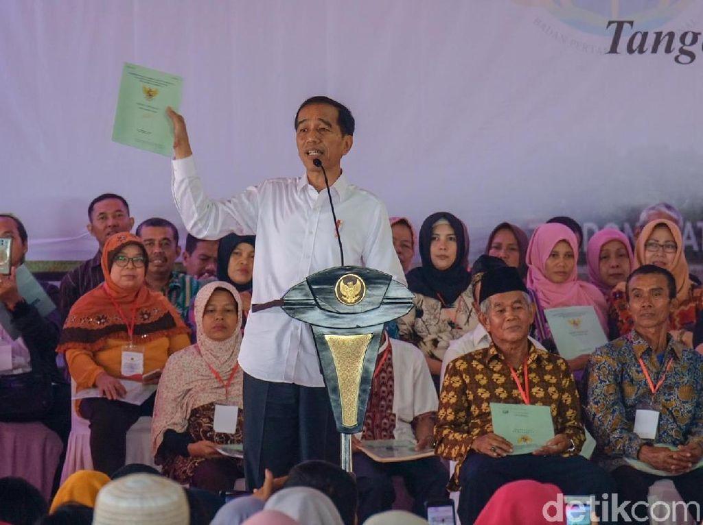 Jokowi: Saya Teken Perpres Hari Santri Kok Dibilang Anti-ulama?