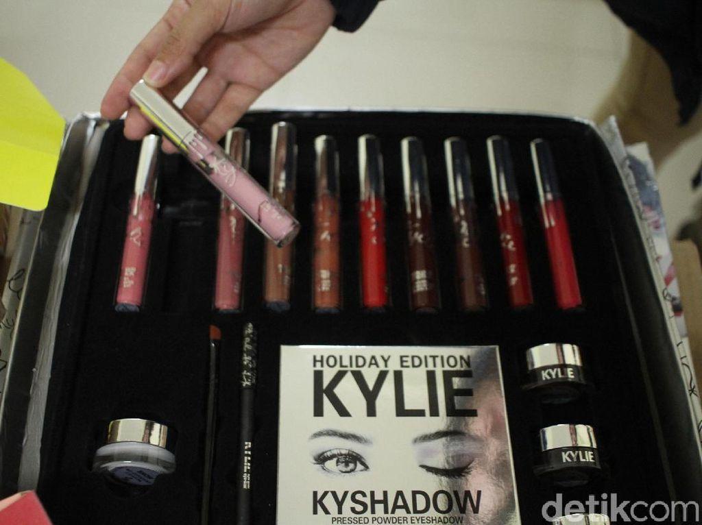 Polisi Gagalkan Penyelundupan Kosmetik Bernilai Miliaran Rupiah