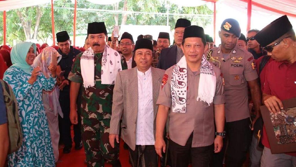 Potret Kapolri-Panglima TNI Temui Kiai dan Santri di Cirebon