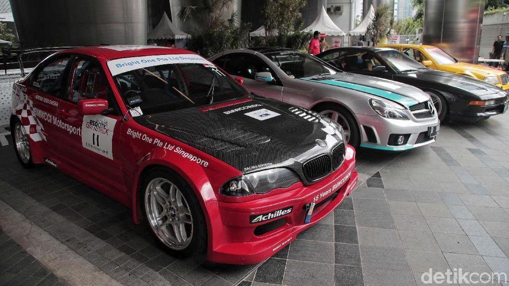 Kala Pemilik Mercedes-Benz dan BMW Bersatu Bikin Pameran