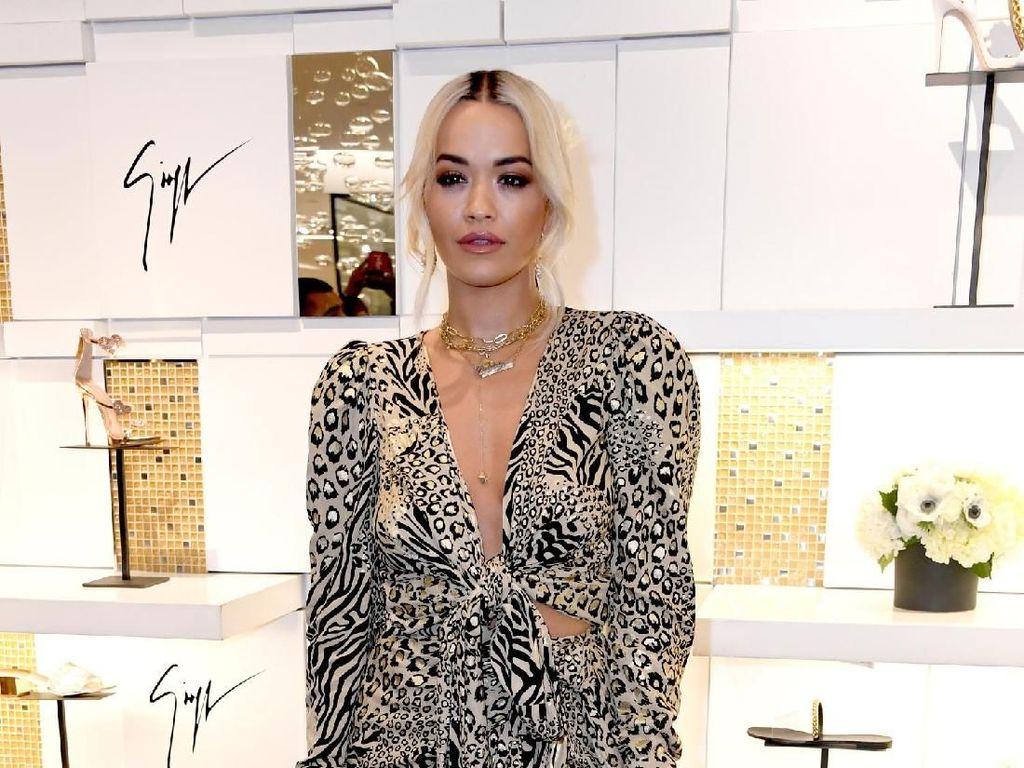 Rita Ora Kembali Bikin Heboh, Ngapain Lagi?