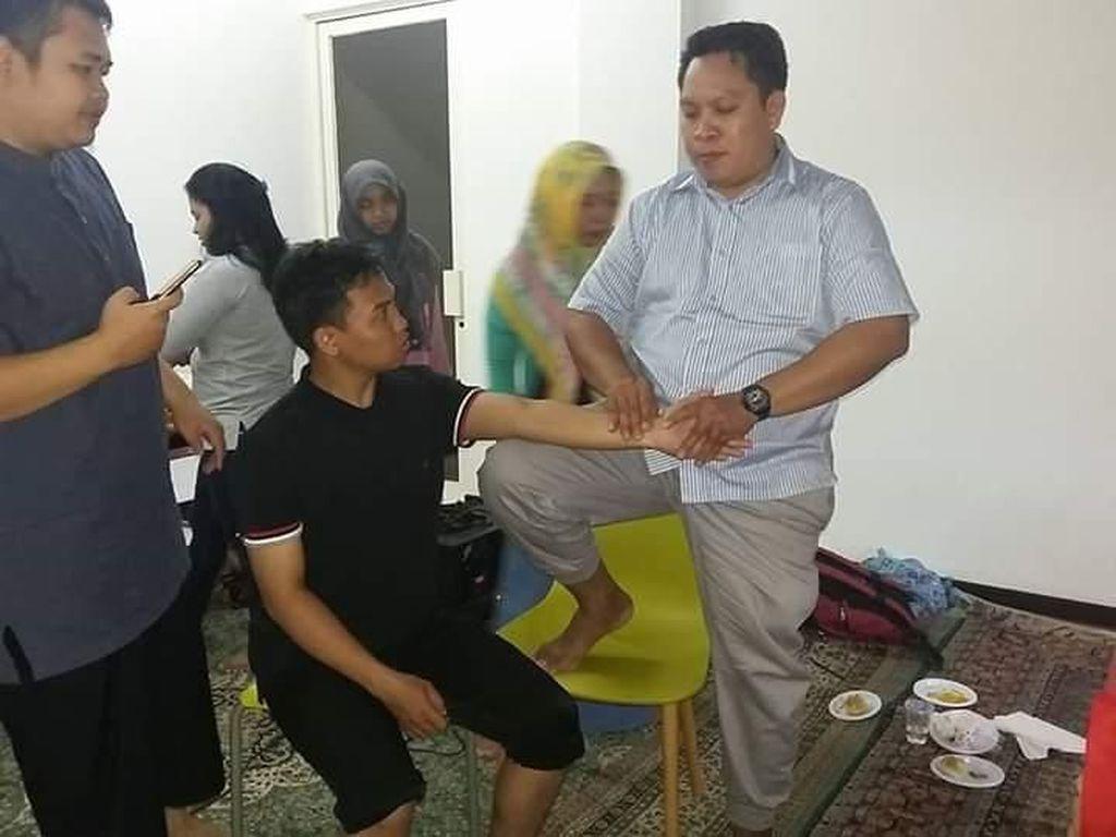 Minggu Pagi, 100-an Fisioterapis Gelar Baksos di CFD Kota Depok