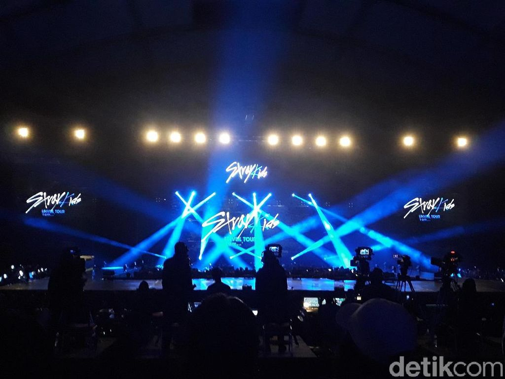 Buka Konser dengan Hellevator, Stray Kids: Its Good to be Back