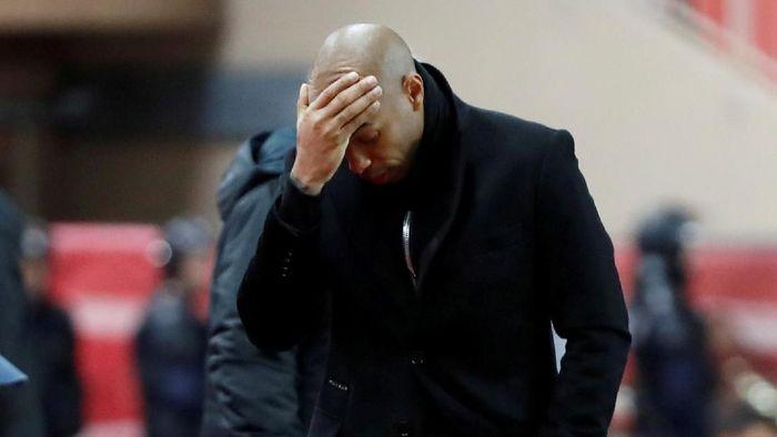 Thierry Henry sukses bersama Arsenal dan Barcelona, serta memenangi Piala Dunia 1998 dengan timnas Prancis. Namun, di awal kariernya melatih Henry dipecat AS Monaco hanya setengah musim setelah ditunjuk pada Oktober 2018. Foto: Eric Gaillard/Reuters