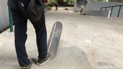Yuk Intip Flyover Slipi, Bisa Main Skateboard Loh!