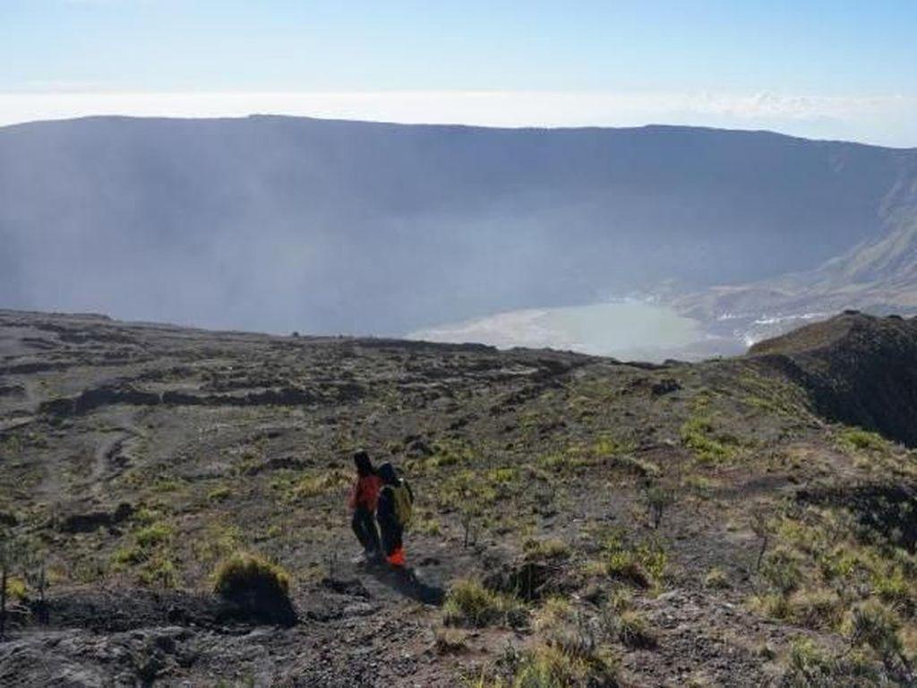 Jalur Pendakian Tambora Akhirnya Dibuka dengan Protokol Kesehatan