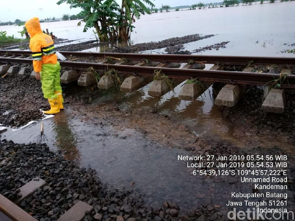 Banjir dan Longsor di Kabupaten Batang, Perjalanan KA Terdampak