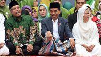 Berkopiah dan Sarung, Potret Jokowi di Harlah ke-73 Muslimat NU