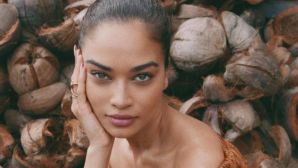 Foto: Liburannya Supermodel Victoria Secret Shanina Shaik di Bali