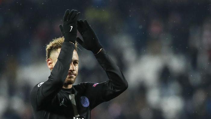 Neymar disarankan mencari klub yang bisa bikin dia bahagia (Srdjan Stevanovic/Getty Images)