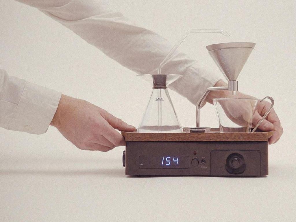 Penggemar Kopi, Ini Alarm Canggih yang Bisa Racik Kopi Setiap Pagi