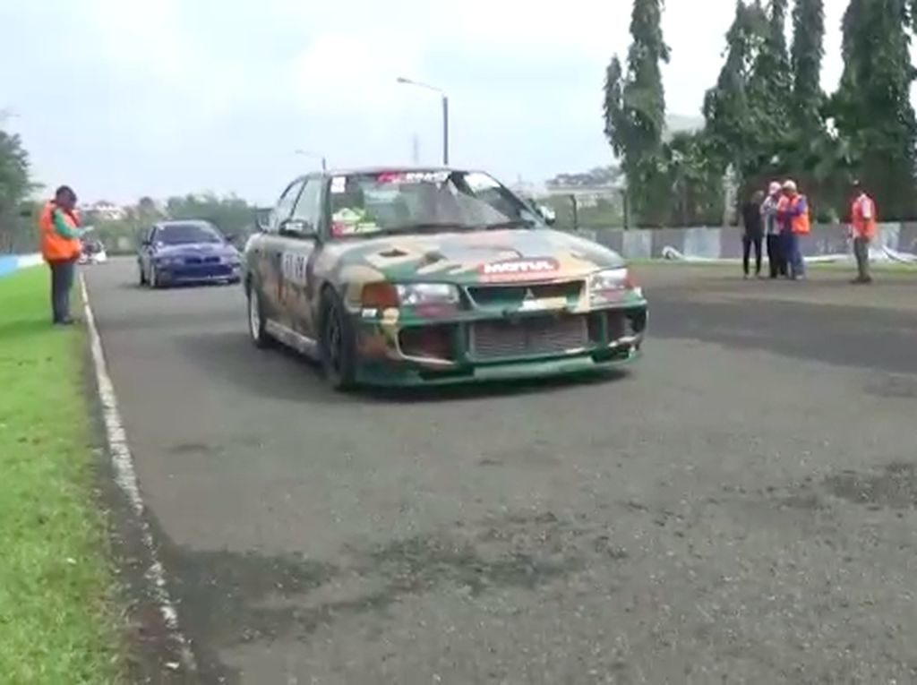 Mengenal si Mobil Drag Race Garonk