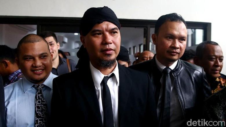 Ahmad Dhani Dibawa Mobil Tahanan ke Kejari Jaksel