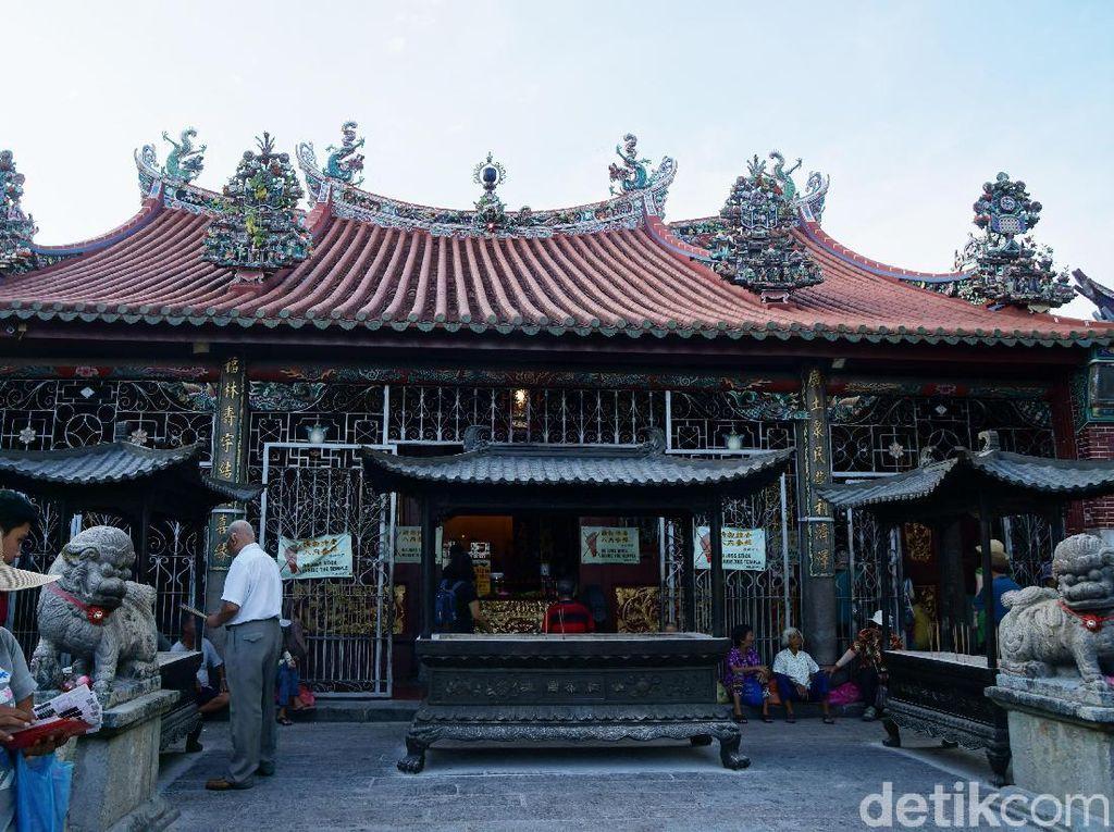 Tahun Baru China di Penang, Ayo ke Kelenteng Kuan Im!