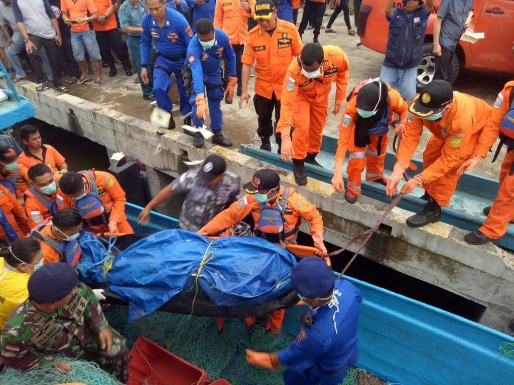 Kapal Ikan Tenggelam di Merauke Papua: 4 Tewas, 9 Hilang
