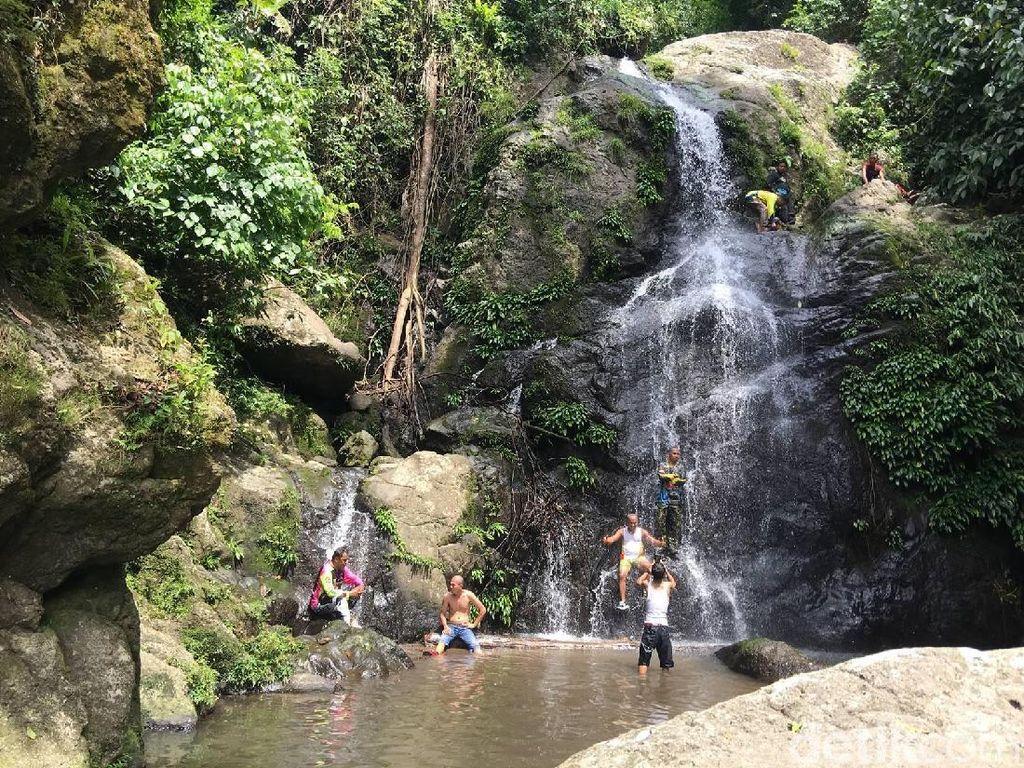 Foto: Air Terjun Tersembunyi di Polewali Mandar