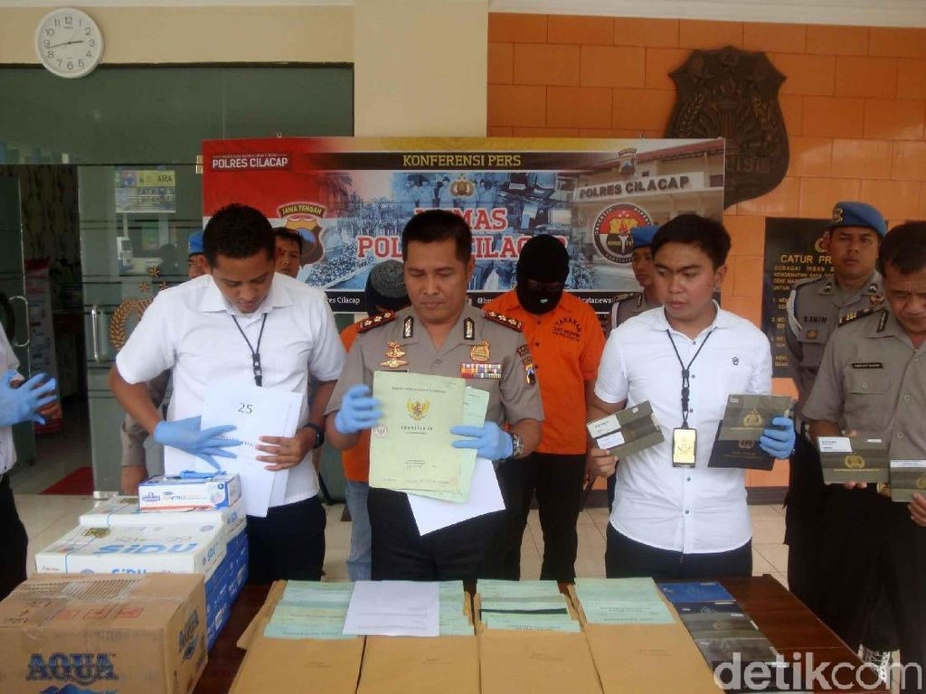 2 Karyawan BPR di Cilacap Tilep Dana Nasabah Rp 29 M