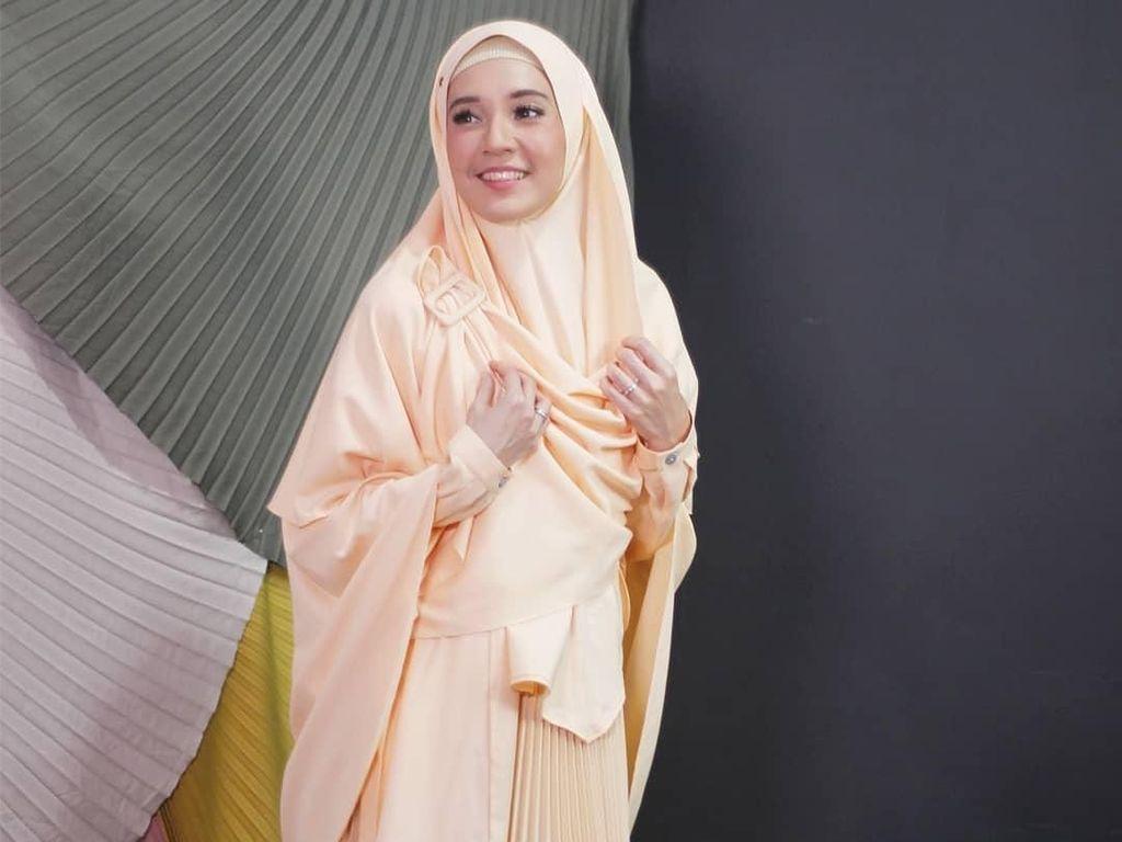 Foto: 10 Inspirasi Gaya Hijab Syari Untuk Kamu yang Hijrah di 2019