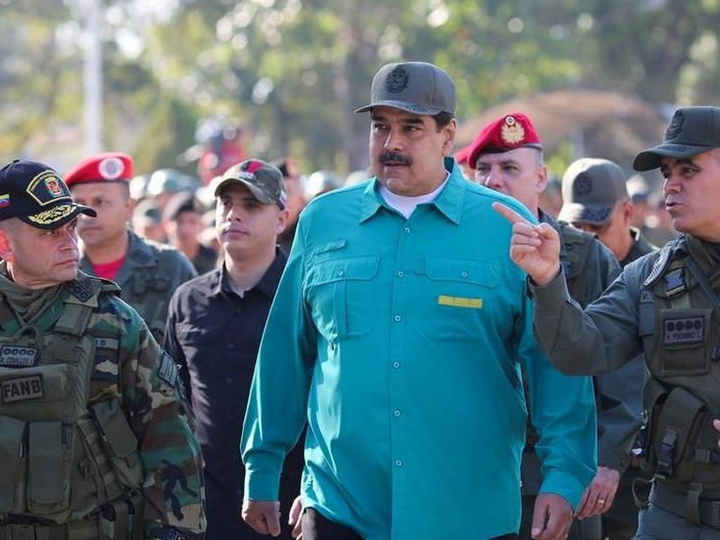 Senator AS: Trump Bahas Opsi Serangan Militer di Venezuela