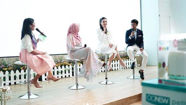 Fasty Arum Utami S.Gz.Msc dan Sandra Dewi
