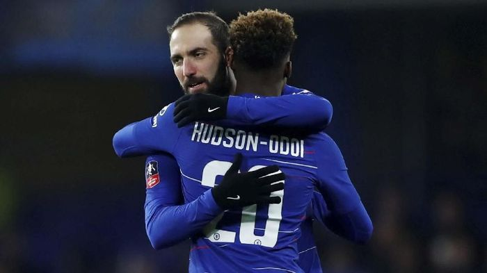 Gonzalo Higuain menjadi salah satu pendatang baru Premier League di bursa transfer musim dingin 2019 (REUTERS/Eddie Keogh)
