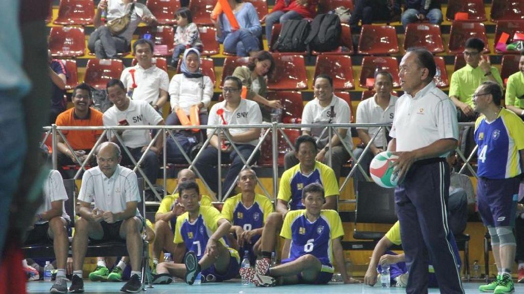 Dukung Pembinaan Atlet Muda Voli