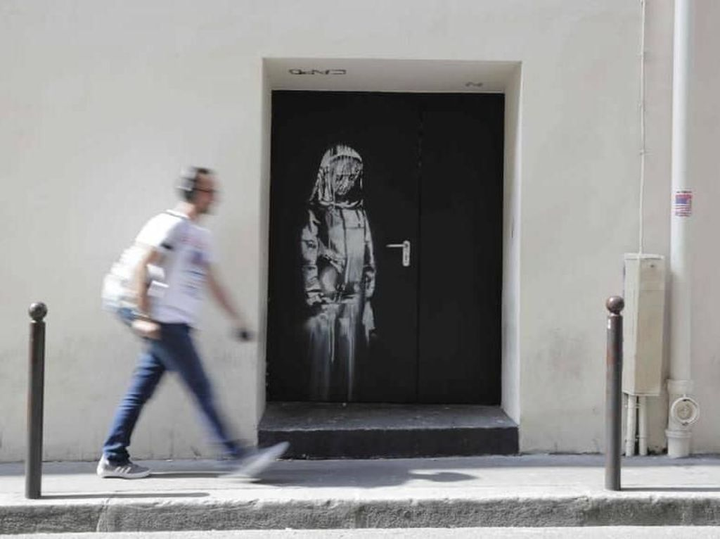 Mural Banksy di Teater Bataclan Paris Dicuri