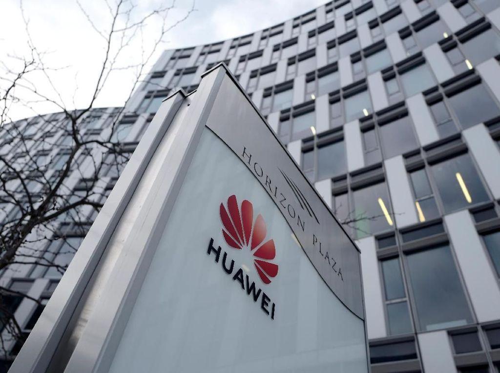 China Tuding Inggris dan AS Berkoalisi Memblokir Huawei