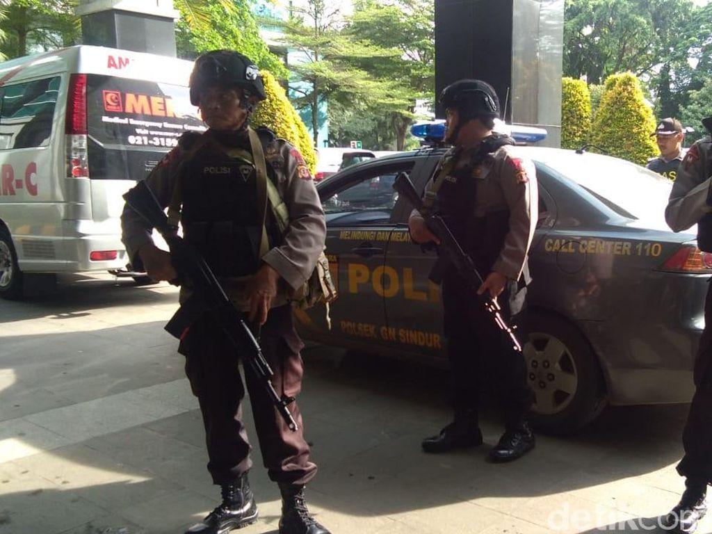 Dikawal Brimob Bersenjata, Baasyir Tinggalkan RSCM Kencana