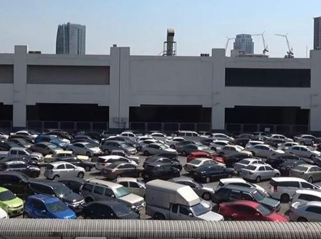 Sudah Lapor Polisi Mobil Hilang, Ternyata Cuma Lupa Parkir