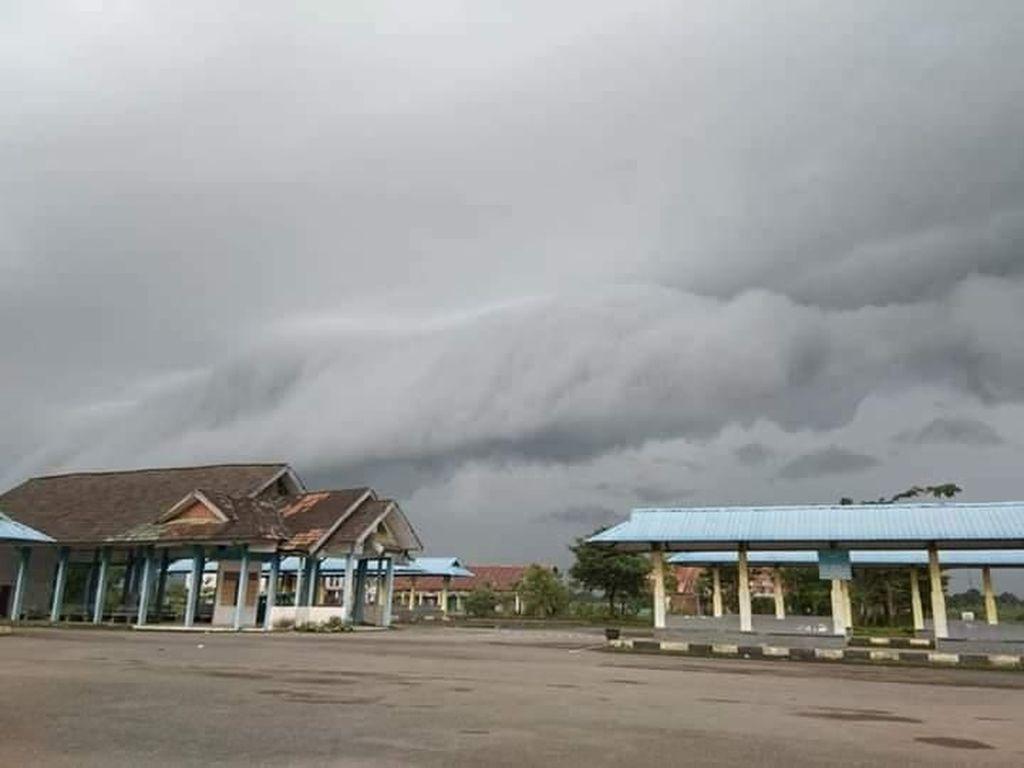 Video: Awan Tsunami Muncul Lagi di Langit Sulsel