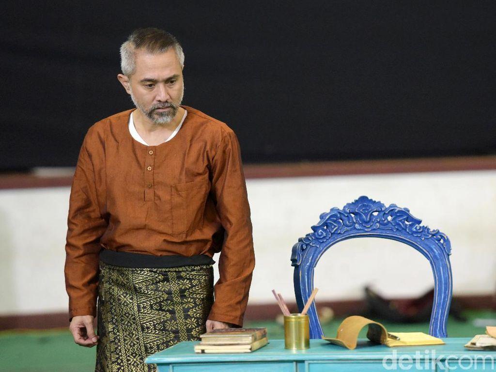 Lukman Sardi Merasa Tertantang Jadi Sosok Penyair Amir Hamzah