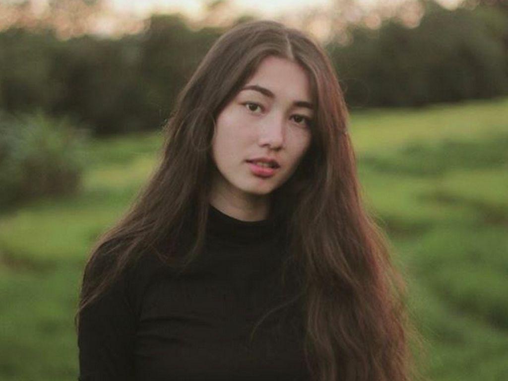 Devina Aureel Minta Akun Gosip Foto Dirinya Diam-diam Saat Jajan Berlian