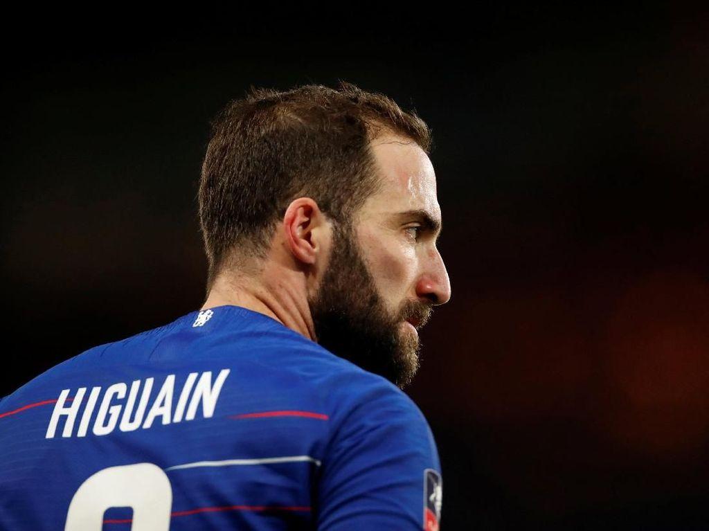 Rayu Higuain, Roma Tawarkan Ban Kapten