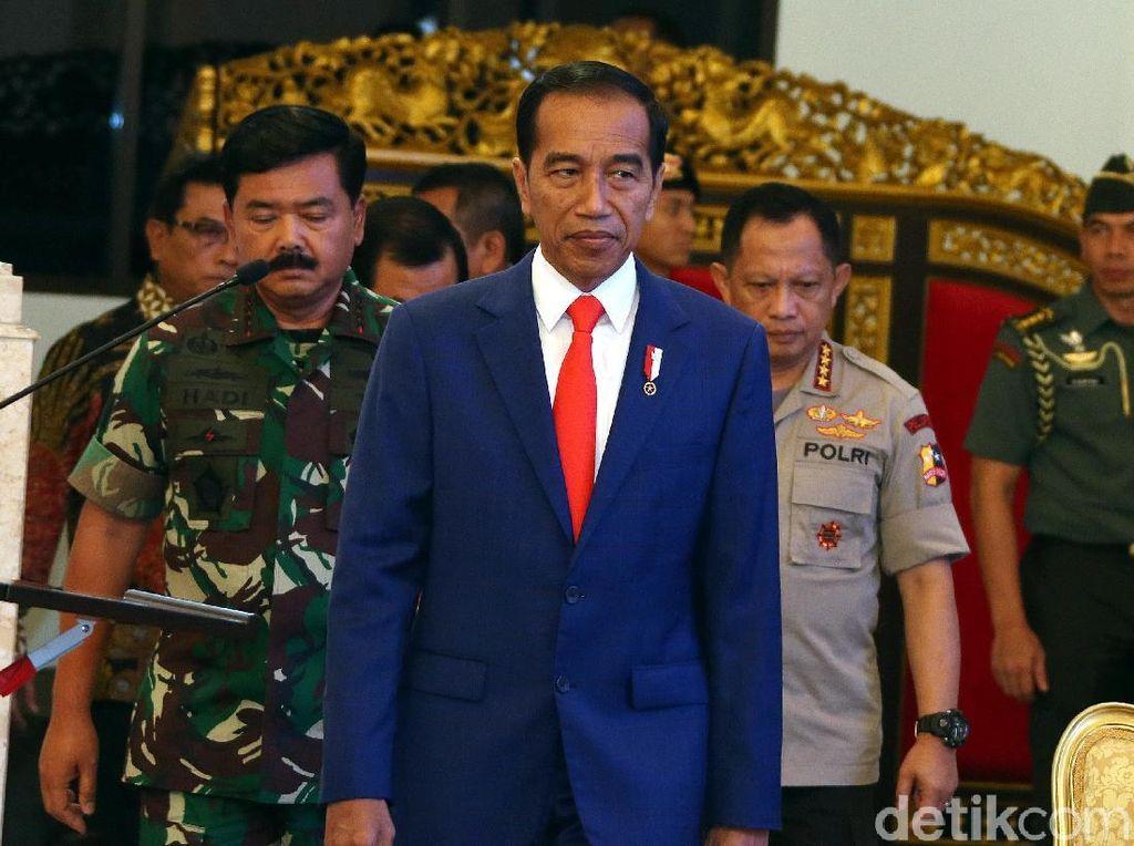 Jokowi Bertemu Pati TNI dan Polri di Istana
