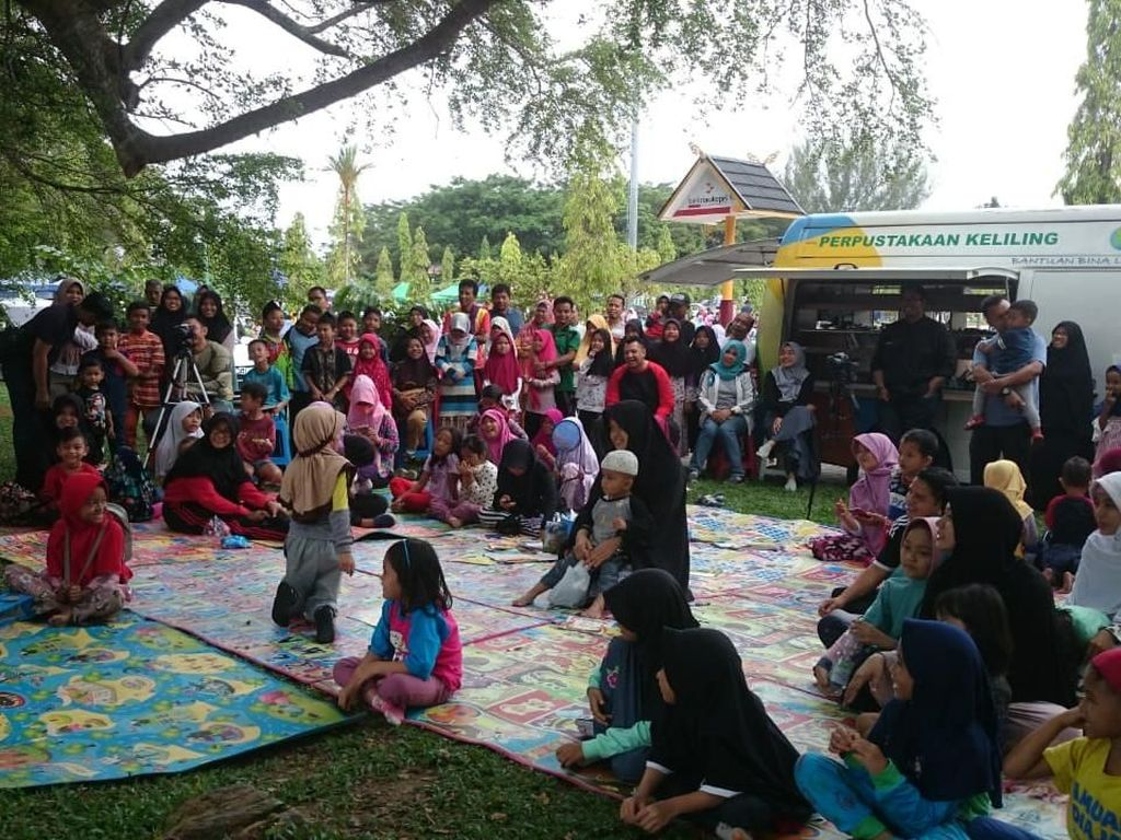Punya Buku Bekas? Yuk Sumbangkan ke Perpustakaan Keliling di Riau
