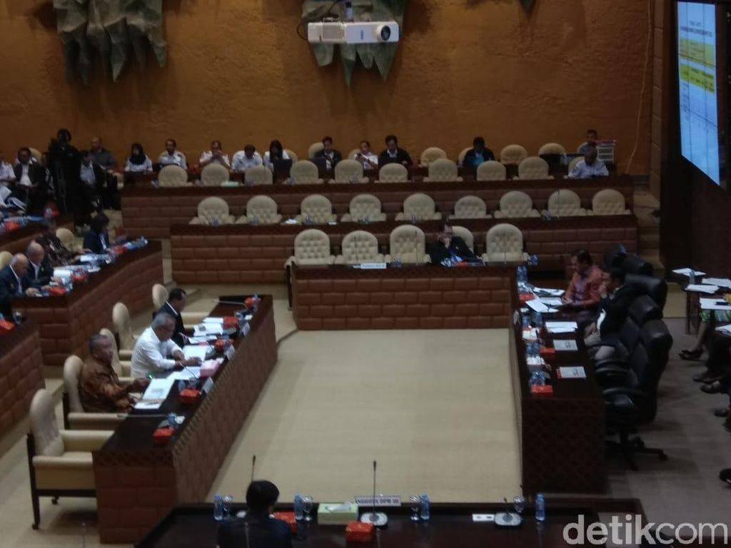 Basuki hingga Budi Karya Rapat dengan DPR Bahas Temuan BPK