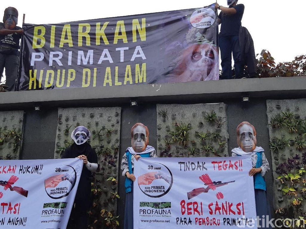 Gelar Aksi, ProFauna Jabar Serukan Setop Perburuan Primata