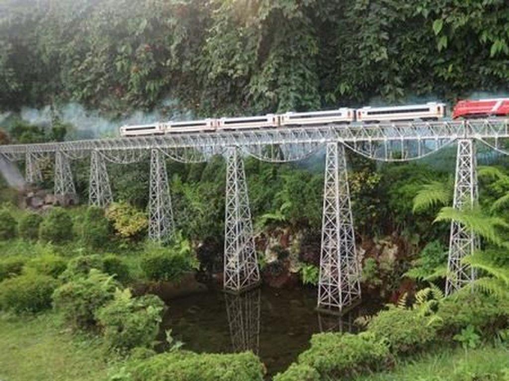 Sudah Tahu? Ada Taman Miniatur Kereta Api di Bandung