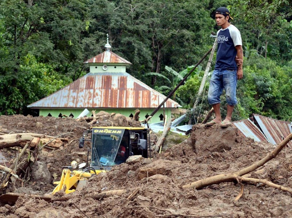 Banjir Besar dan Longsor Sulsel, Total 79 Orang Meninggal