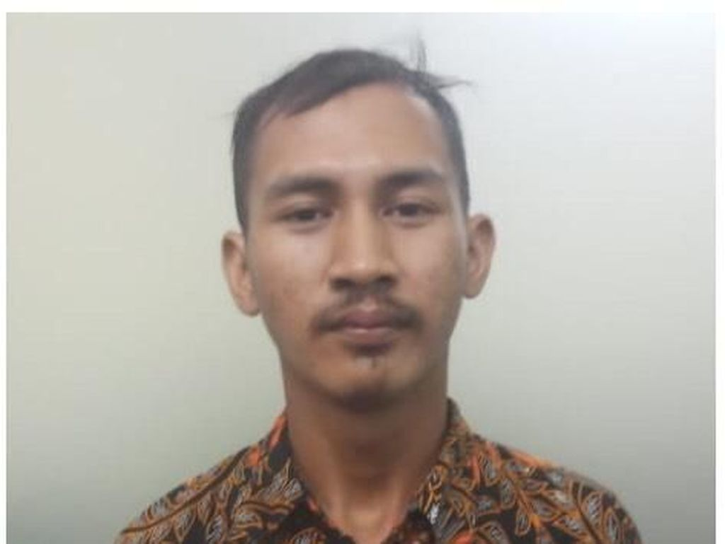 Kreator Hoax Demo TKA di Morowali Sulteng Penjual Batagor