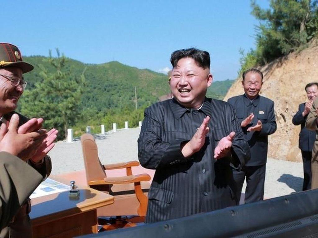 Kim Jong-un Tak Berhenti Kembangkan Nuklir