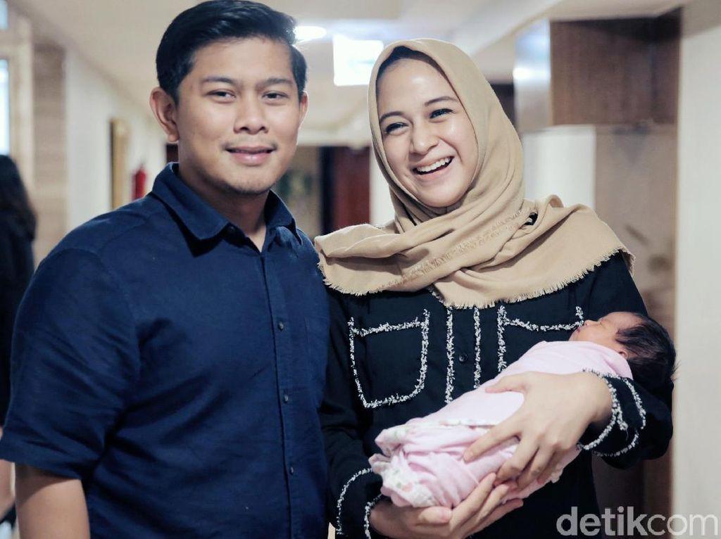Senyum Nina Zatulini dan Suami Sambut Anak Kedua