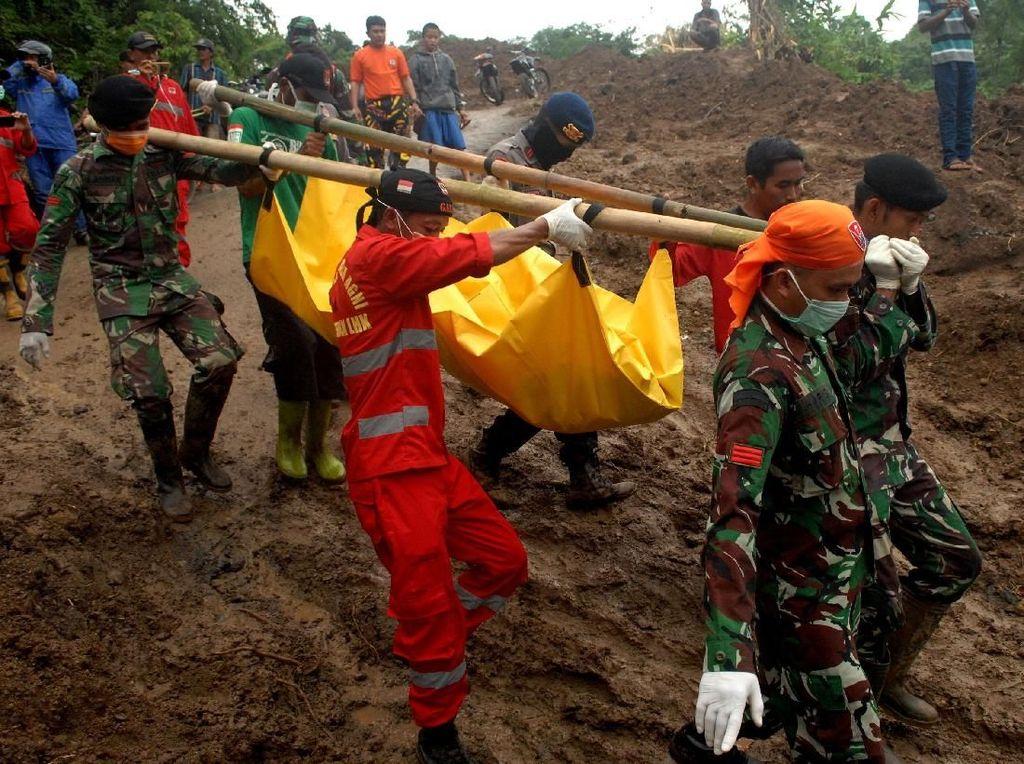 Banjir Besar Sulsel Rendam 13 Kabupaten, 78 Orang Meninggal
