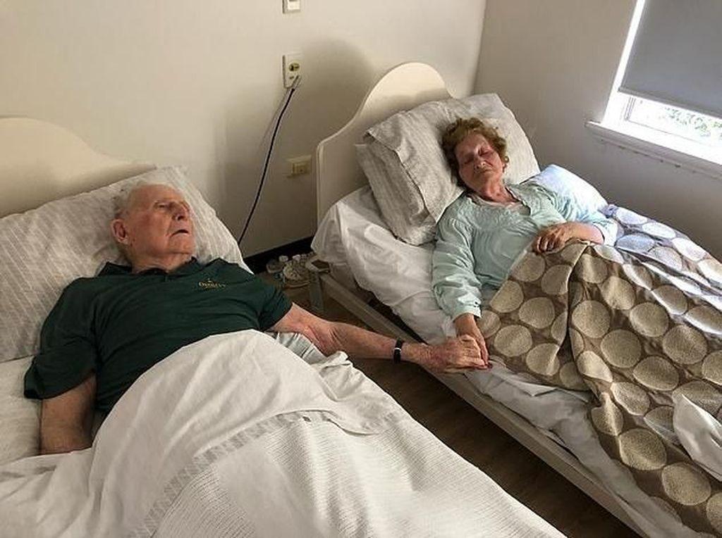 Cinta Sehidup Semati, Kisah Pasangan Meninggal Bersama Sambil Pegangan Tangan