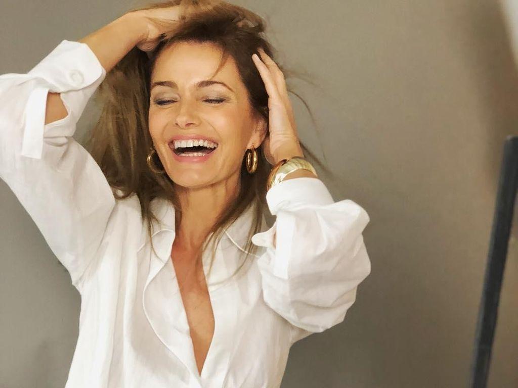 Setelah 36 Tahun Berlalu, Model Senior Ini Kembali Foto Tanpa Busana