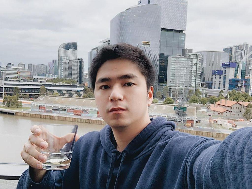 Gaya Kulineran Kevin Hendrawan, YouTuber yang Protes Bagasi Pesawat Berbayar