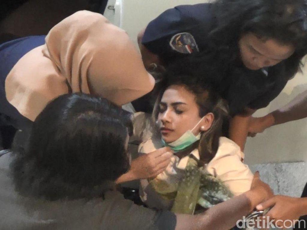 Video Momen Vanessa Hampir Pingsan dan Dilarikan ke RS