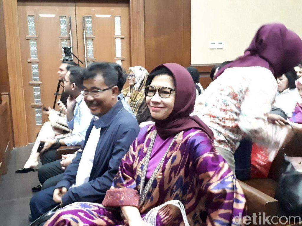 Eks Dirut Pertamina Karen Agustiawan Jalani Sidang Perdana